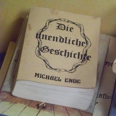 """Analoge Raubkopie der """"Unendlichen Geschichte"""""""